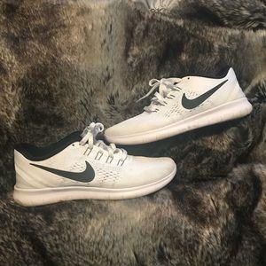 Nike Free RN white size 7